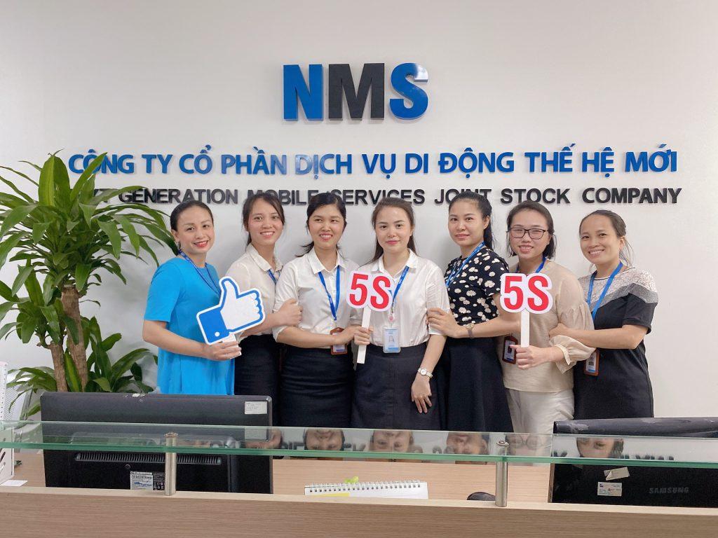 Ban 5S làm nhiệm vụ theo sát, nhắc nhở, hướng dẫn CBNV thực hiện theo tiêu chuẩn 5S